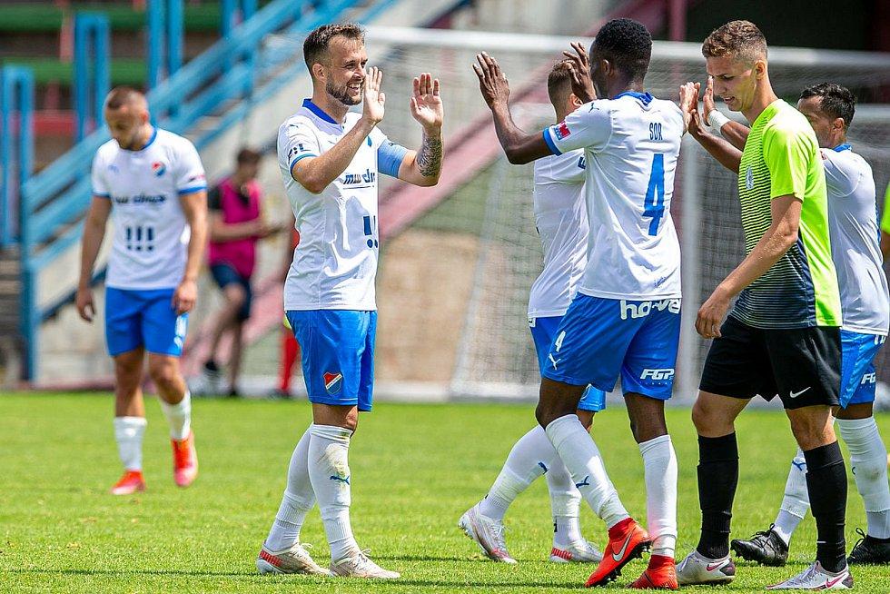 Lukáš Budínský se uvedl v Baníku Ostrava dvěma góly do branky druholigového Prostějova. Slezané vyhráli přípravné utkání 3:0, sobota 3. července 2021.