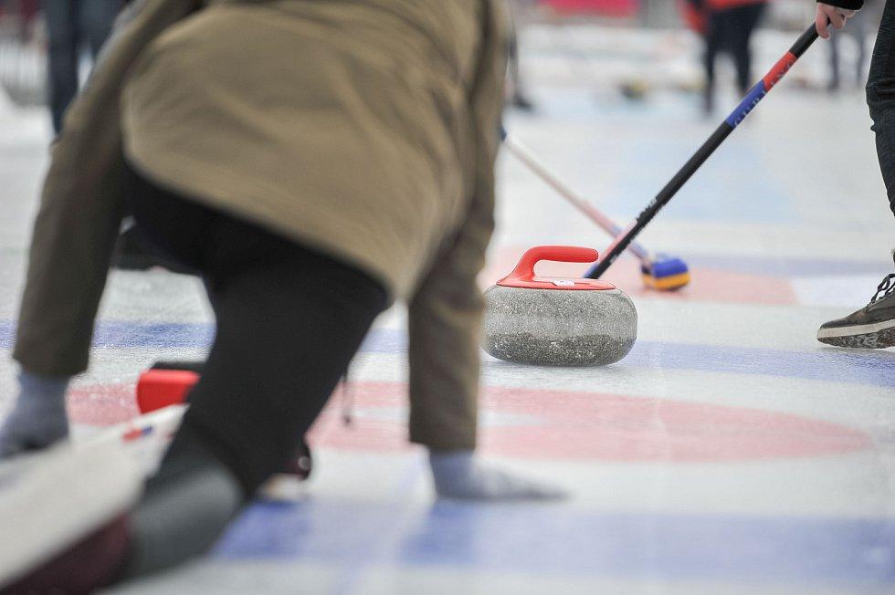 Olympijský festival u Ostravar Arény, 9. února 2018 v Ostravě. Curling