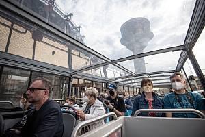 Start nové linky, kdy doubledecker spojí Dolní oblast Vítkovice se zoologickou zahradou, 5. června 2021 v Ostravě.