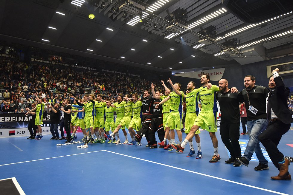 Superfinále play off florbalové superligy mužů: Technology florbal Mladá Boleslav - 1. SC TEMPISH Vítkovice, 14. dubna 2019 v Ostravě. Na snímku radost Vítkovic.