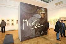 John Mucha, vnuk slavného malíře, zahájil v úterý v ostravském Domě umění retrospektivní výstavu umělce, od jehož narození uplynulo loni v červenci sto padesát let.