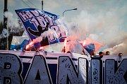 Ilustrační foto. Pochod fanoušků Baníku Ostrava na stadion, 7. dubna 2019 v Ostravě.