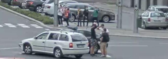 Policie se obrací na veřejnost s žádostí o pomoc při řešení dopravní nehody, která se stala dne 25. září 2020 v době kolem 07.50 hodin v Ostravě.