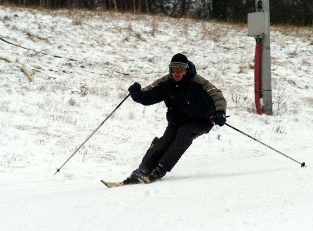Na Skalce v Porubě se opět lyžuje