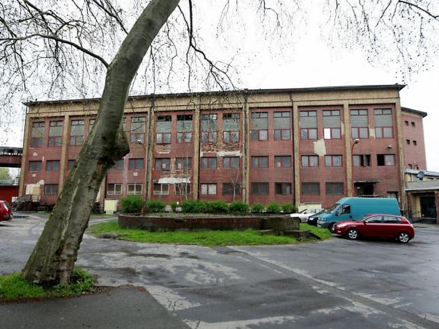 NOVÉ KOUPELNY jsou jednou zmála nevyužitých a nezrekonstruovaných budov vareálu Dolních Vítkovic.