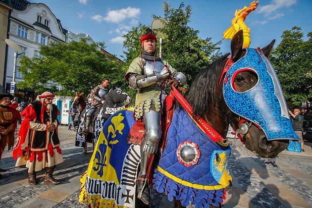 Historický rej v centru Ostravy. Oslavy 750 let města v pátek 8. září.