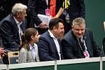 Utkání 1. kola Světové skupiny tenisového Fed Cupu: Česká Repubika - Rumunsko, 9. února 2019 v Ostravě. Na snímku (ve středu) Tomáš Tuhý a Ivo Kaderka.