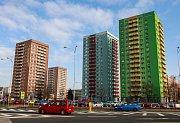 Stavěly se všude v republice, ale ty v Ostravě jsou specifické. To tvrdí o panelácích jejich obdivovatel Marian Lipták (27), který prakticky veškerý svůj volný čas věnuje bádání nad fenoménem socialistického bydlení.