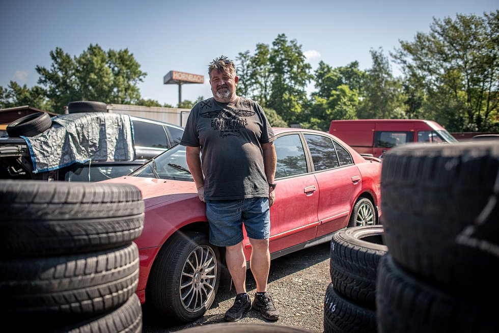 Autoburza na Místecké ulici v Ostravě, 12. července 2020. Ilustrační foto.