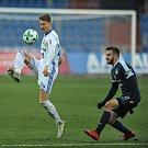 Zápas 17. kola první fotbalové ligy mezi FC Baník Ostrava a 1. FC Slovácko, 17. února 2018 v Ostravě. (vlevo) Tomáš Mičola a Tomáš Zajíc ze Slovácka.