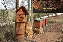 Po naučné včelí stezce v Horní Lhotě u Ostravy se můžete vydat v kterémkoliv ročním období.