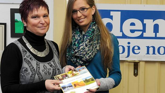 Vítězka soutěže Kočka léta Žaneta Lichá se svou maminkou Jiřinou Lichou, která ji do soutěže přihlásila.
