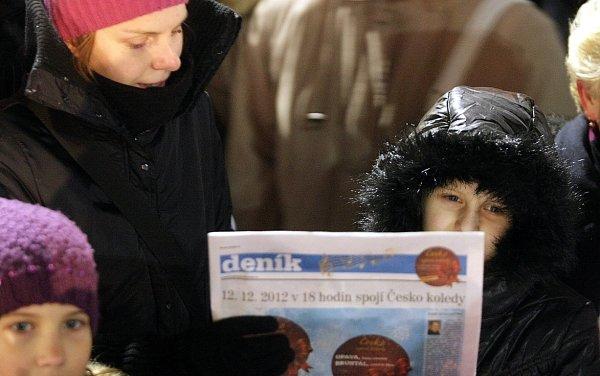 Akce Česko zpívá koledy se iletos uskutečnila vcentru Ostravy na Masarykově náměstí.