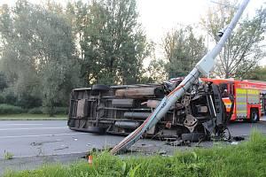 Nehoda se jako zázrakem obešla bez vážnějších zranění.