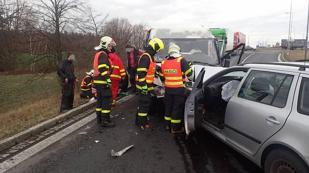 Dopravní nehoda v Pustkovci.