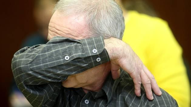 Šest roků stráví za mřížemi třiapadesátiletý Pavel Pokorný z Ostravy. Krajský soud v Ostravě jej 28. listopadu uznal vinným z přípravy vraždy dvou mužů.