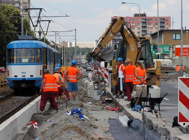 """Oprava zastávky """"telekomunikační"""" v Ostravě-Porubě"""