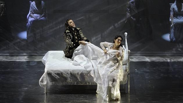 Výjev z opery Zneuctění Lukrécie