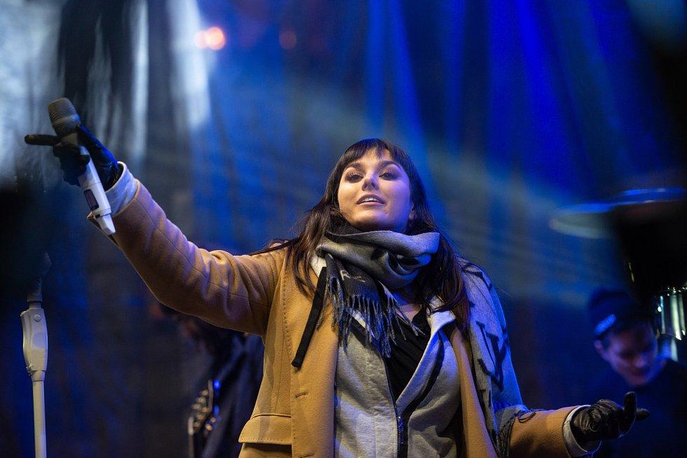 Česká Lípa rozsvícení vánoční strom náměstí TGM Ewa Farná koncert