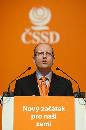 Lídr ČSSD Bohuslav Sobotka na 37.sjezdu strany, který se koná vmultifunkční aule Gong vOstravě