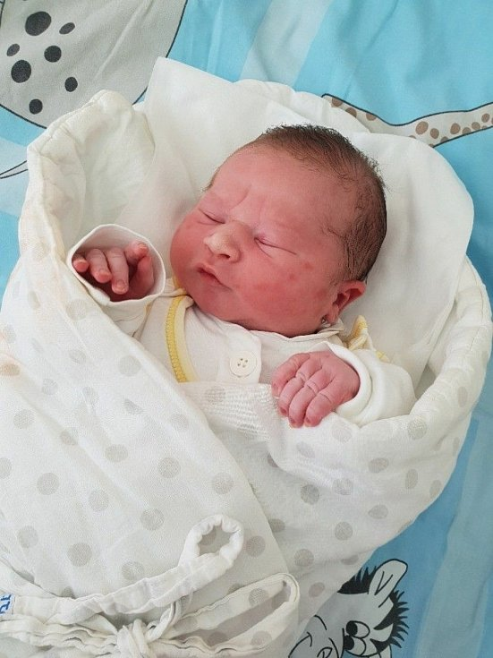Šimon Novák, Dolní Životice, narozen 11. května 2021 v Opavě, míra 50 cm, váha 4460 g. Foto: Lucie Dlabolová, Andrea Šustková
