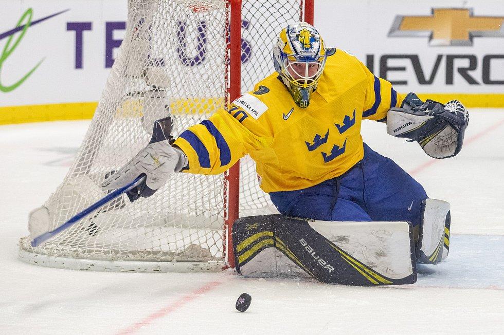 Mistrovství světa hokejistů do 20 let, semifinále: Švédsko - Rusko, 4. ledna 2020 v Ostravě. Na snímku brankář Švédska Hugo Alnefelt (SWE).