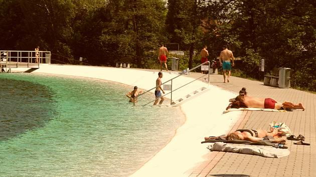 Letní koupaliště v Ostravě-Porubě, středa 9. června 2021.