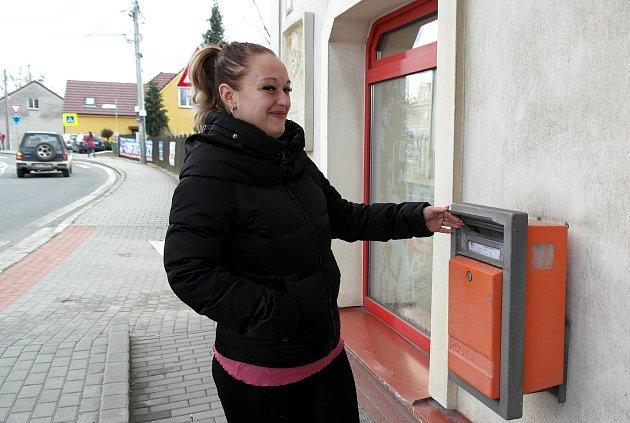 NÁVRAT kpůvodní profesi; Pavla Hrabovská stala opět kadeřnicí.