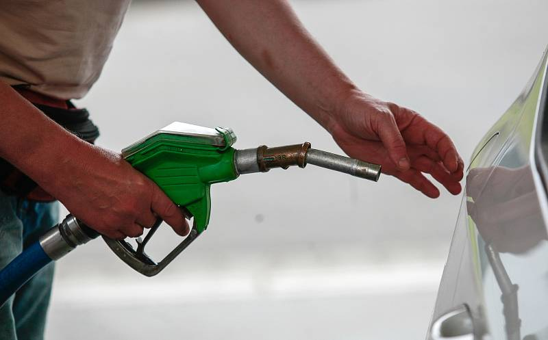 Dosavadnímu růstu ceny pohonných hmot napomohla rovněž rostoucí poptávka