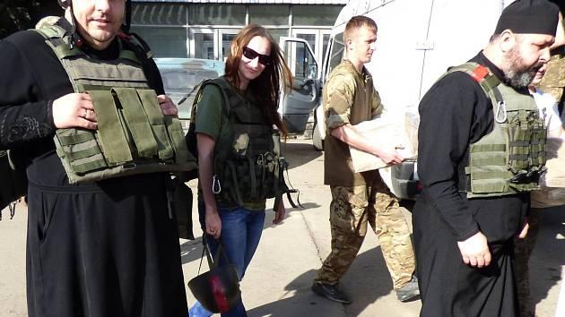 Čeští dárci umožnili nákup potravin a hygienických potřeb, které se pořizovaly přímo na Ukrajině.