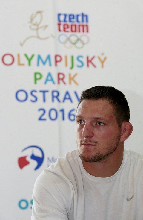 Autogramiáda judisty Lukáše Krpálka, olympijského vítěze z Ria, v ostravském Trojhalí.