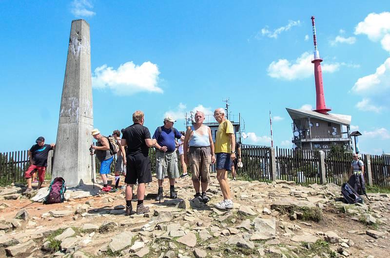 Lysá hora, červenec 2018. Výstup na vrchol Beskyd absolvují každoročně statisíce turistů.