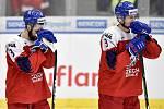 Mistrovství světa hokejistů do 20 let, čtvrtfinále: ČR - Švédsko, 2. ledna 2020 v Ostravě. Na snímku smutek Česka (Libor Zabransky a Tomas Dajcar).