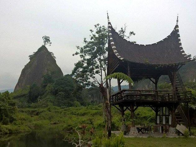 Velké údolí Ngarai patří v Indonésii k vyhledávaným turistickým cílům.