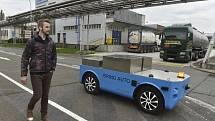 Vozítko BringAuto ve firmě BorsodChem.