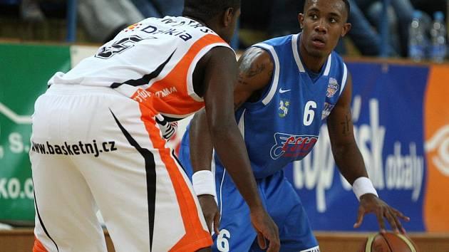 Středeční utkání nejvyšší basketbalové soutěže mezi Novým Jičínem a Ostravou bylo jako na houpačce.