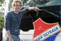 Fotbalový záložník francouzského Brestu Mario Lička se ve čtvrtek zastavil v Ostravě, kde v roce 2004 vybojoval s Baníkem mistrovský titul.