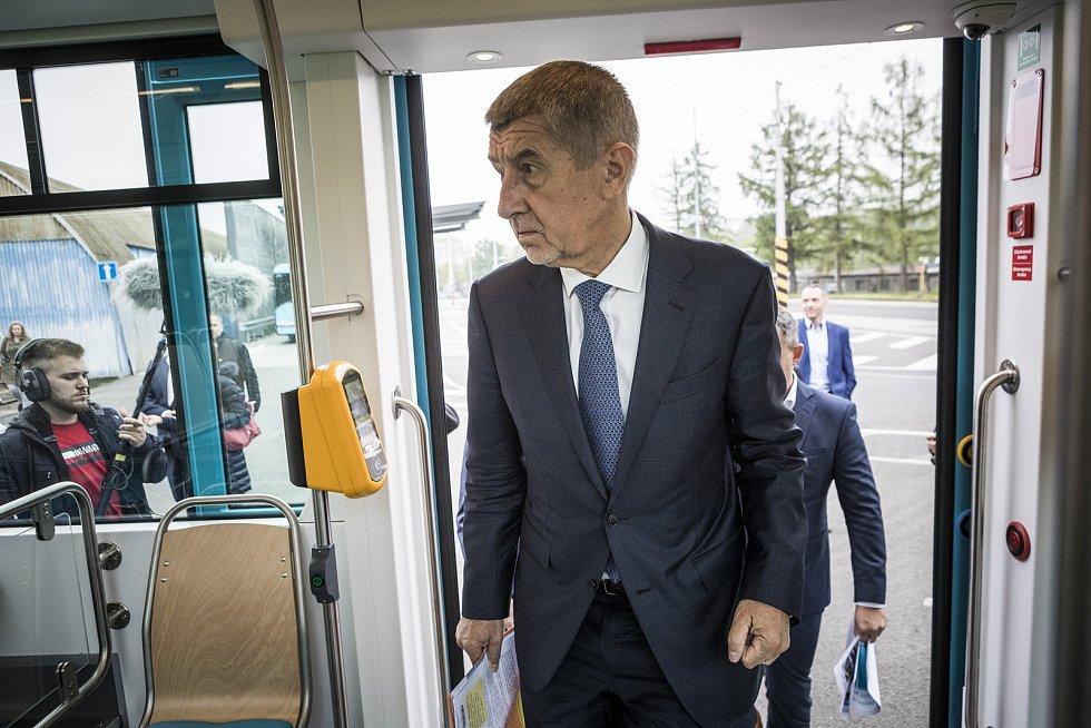 Premiér ČR Andrej Babiš navštívil v pátek 17. května Moravskoslezský kraj. Jeho inspekční den začal v Dopravním podniku Ostrava.