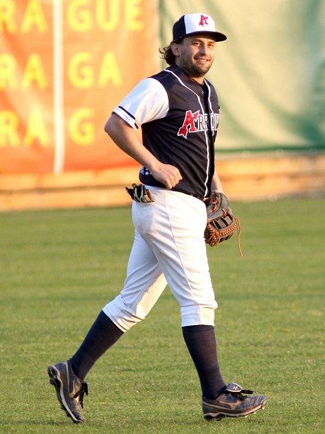 ARROWS OSTRAVA letos vextralize baseballistů prohráli jen dva zápasy. Koporám týmu patří čtyřiačtyřicetiletý hrající trenér Aleš Navrátil.
