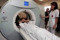 Lékaři ve Fakultní nemocnici v Ostravě mají nového pomocníka. Moderní CT přístroj Somatom Definition AS.