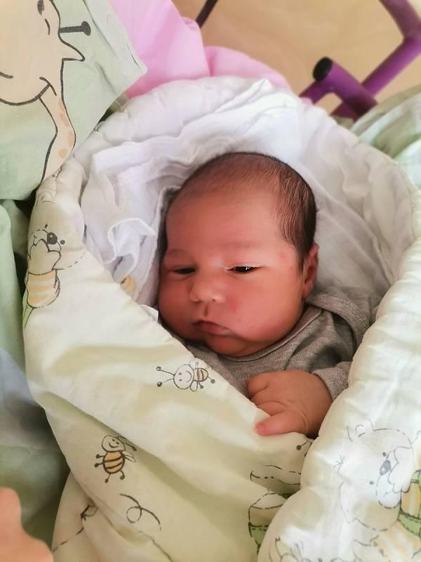 Robert Bažo, Havířov, narozen 11. září 2021 v Havířově, míra 50 cm, váha 3790 g. Foto: Michaela Blahová