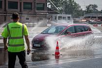 Libros - Centrum bezpečené jízdy pořádá pro seniory kurz Jedu s dobou, 7. srpna 2020 v Ostravě.