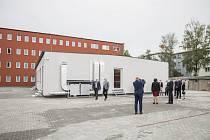 Nová přístavba školy.