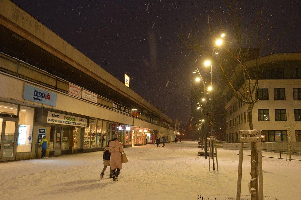 Náměstí Ostrava-Jih večer.