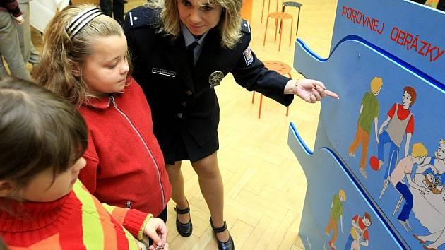 V Ostravě v pondělí odstartoval mezinárodní projekt zaměřený na varování školou povinných dětí před nástrahami, které na ně číhají.