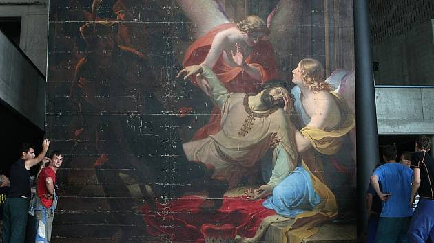 Zavražděný Václav, prchající bratrovrah Boleslav, kolem andělé, kteří patrona země české zvedají k nebi - oleji na plátně z roku 1844 malíře Antona Pettera. Veřejnost tento obraz uvidí v multifunkční aule Gong.