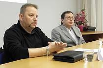 Na snímku šéf ostravského týmu Toxi Jiří Kopeček (vlevo) a soudní znalec z oboru toxikologie Petr Kurka.