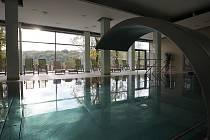 Součástí apartmánového domu Landek v Petřkovicích je i hotel, bazén a řada dalších služeb
