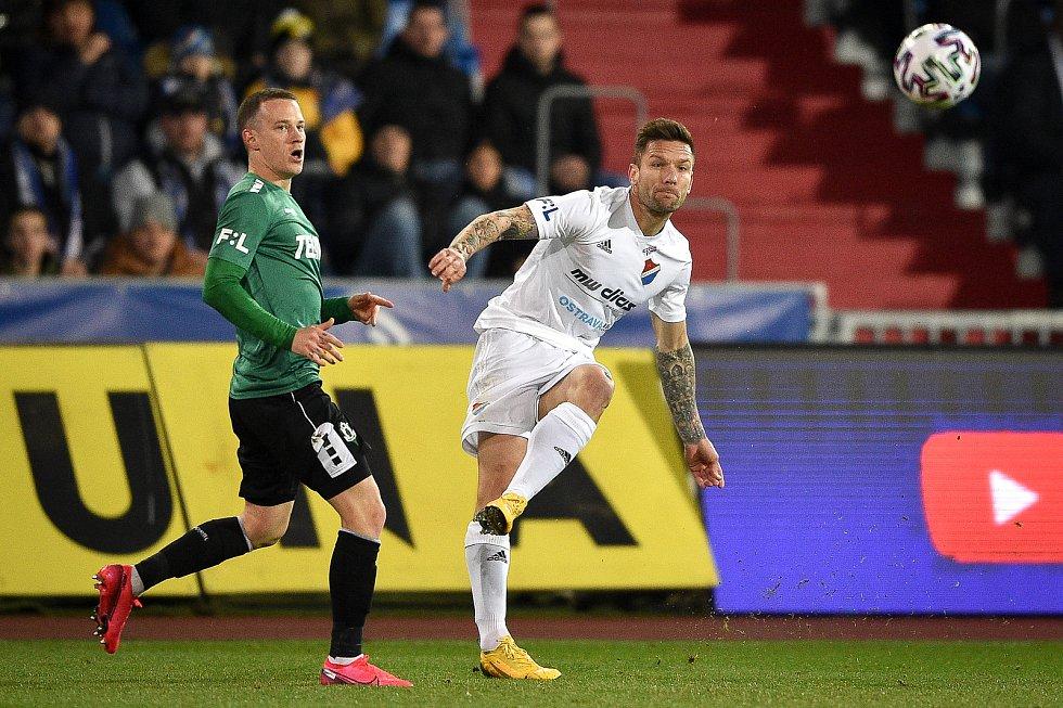 Utkání 22. kola první fotbalové ligy: Baník Ostrava - FK Jablonec, 24. února 2020 v Ostravě. Zleva Jan Sýkora z Jablonce a Martin Fillo z Ostravy.