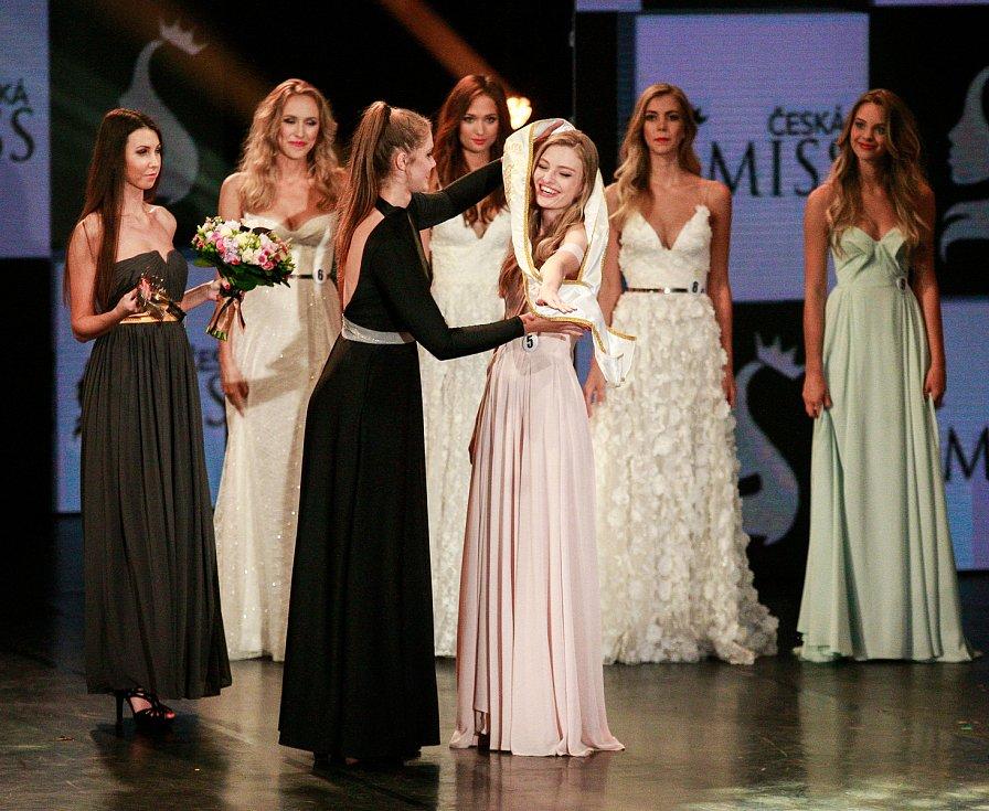 Vyhlášení české Miss 2018 v Gongu.Vyhlášení třetího místa - Tereza Křivánková
